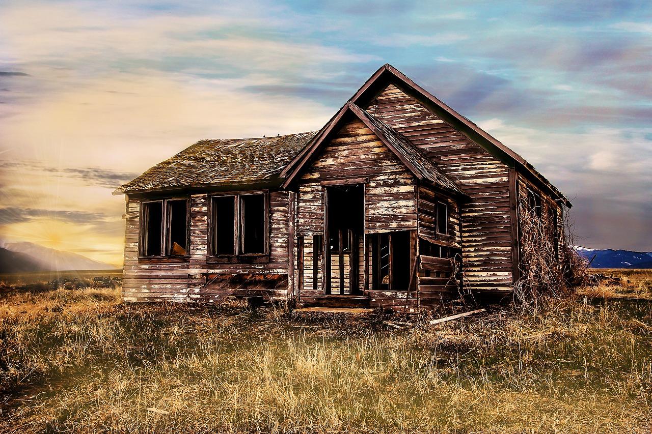 old-farmhouse-2535919_1280