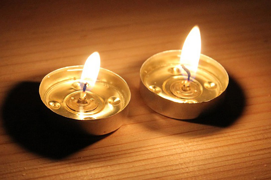 candles-2446218_640